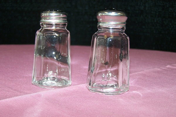 Where to find GLASS SALT PEPPER SHAKER SMALL in Jackson